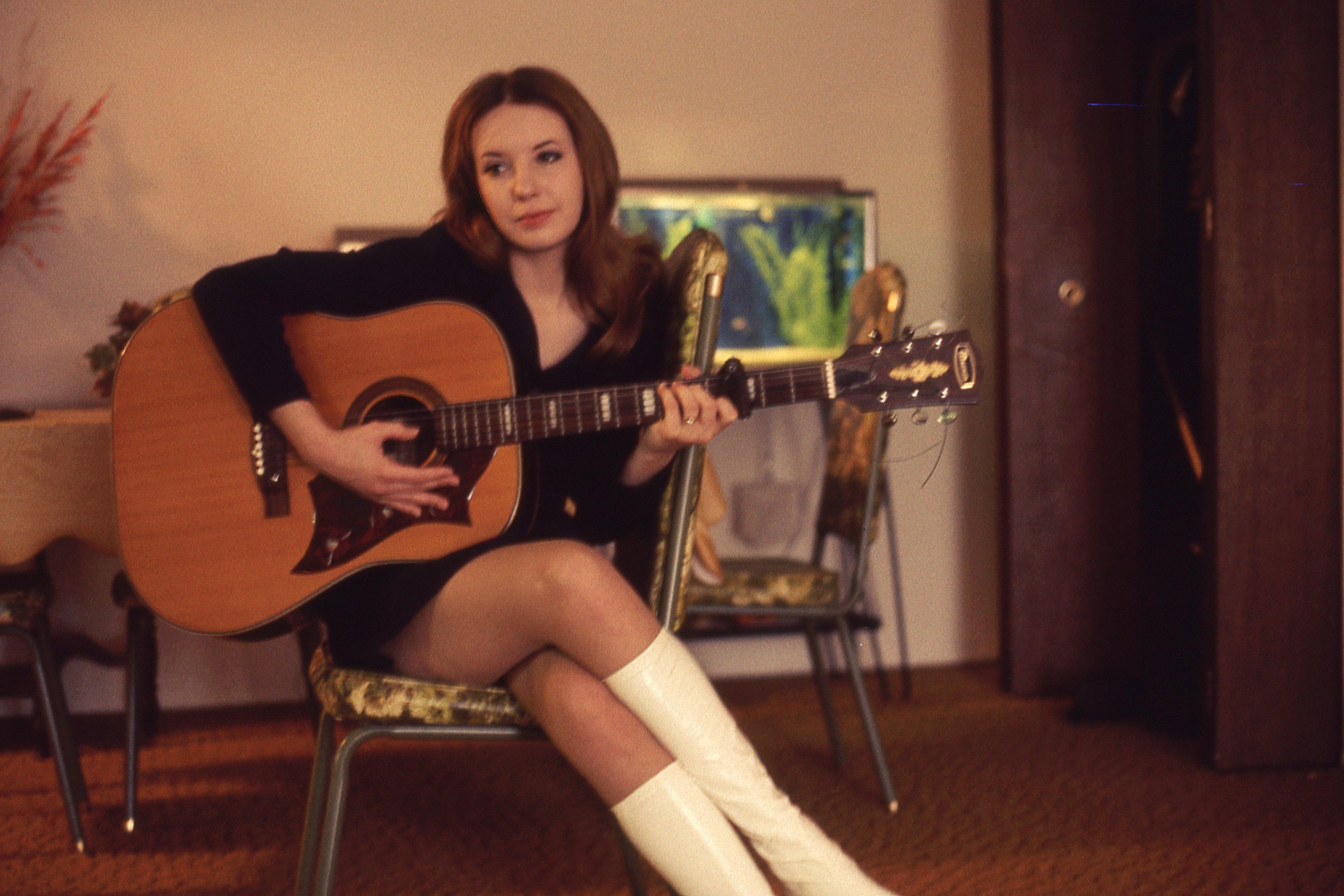 guitar po girl shines