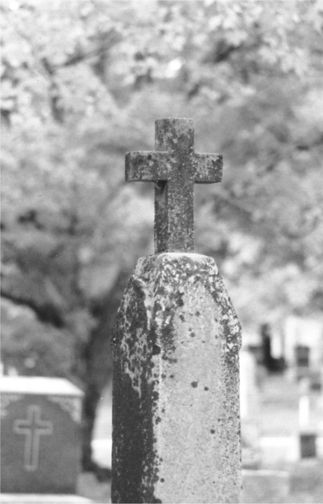 blk wht cemeteryCalumetCemetarycross
